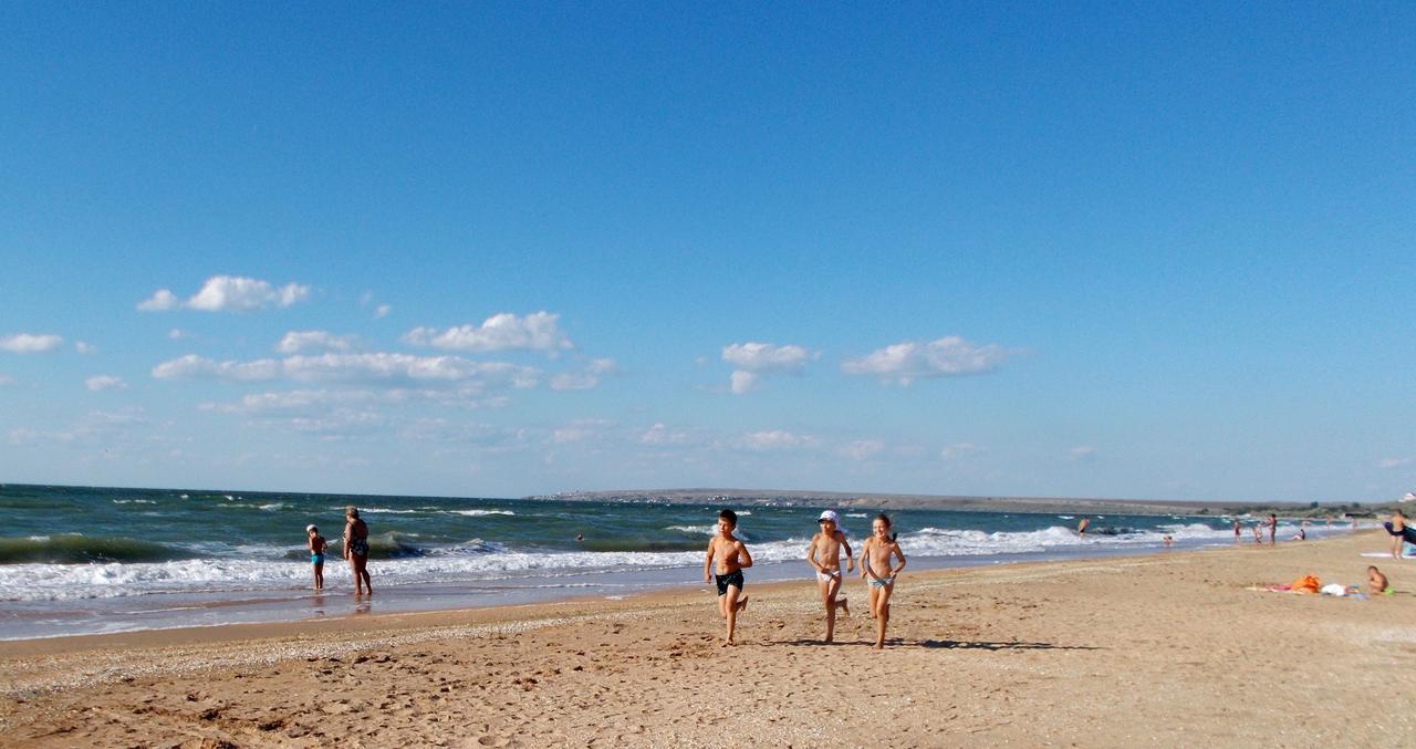 Отдых на песчаных пляжах с детьми в Крыму